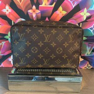 Louis Vuitton Trousse 23